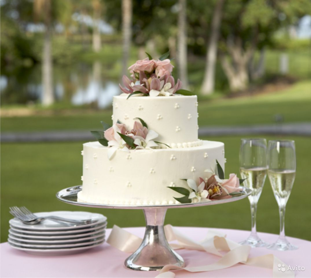 Images Of Cake Tables For A Wedding : Easy Wedding Cake Decorating Ideas - Wedding and Bridal ...