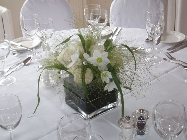 Flower Arrangements For Wedding Tables