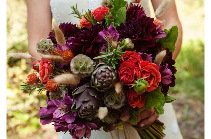Purple Flowers For October Wedding : Purple fall wedding flowers and bridal inspiration