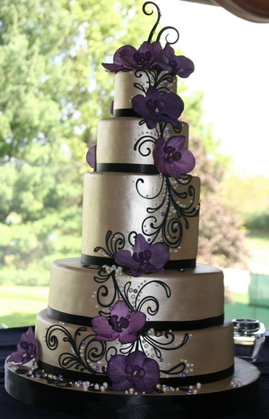 Images Of Purple Wedding Cake : Purple and Silver Wedding Cakes - Wedding and Bridal ...