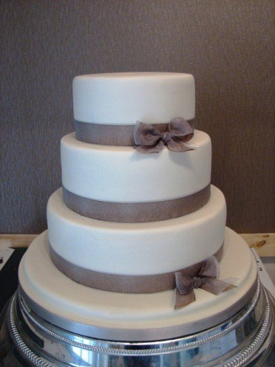 Simple Wedding Cake Design Images : Simple Wedding Cake Ideas - Wedding and Bridal Inspiration