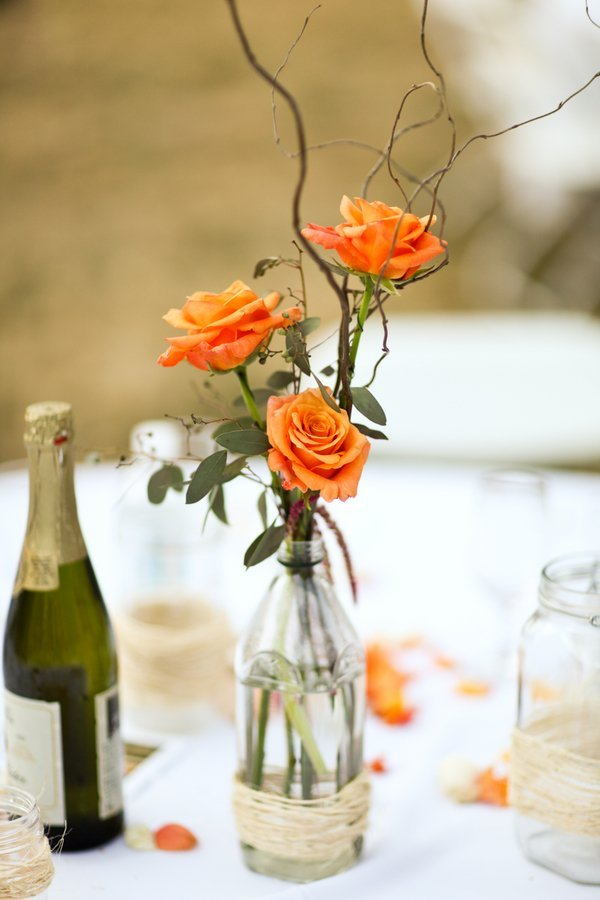 Simple wedding flower arrangements and bridal