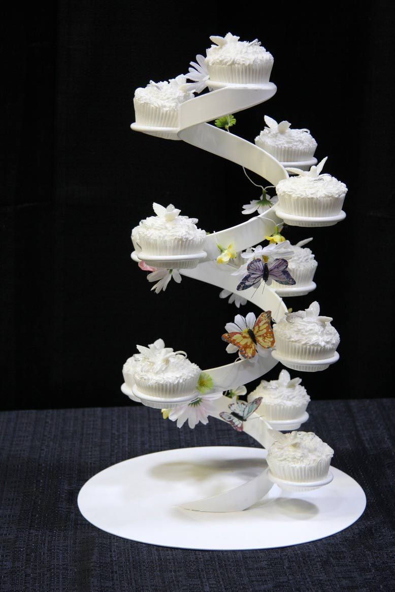 Unique Wedding Gifts Edmonton : Wedding Cake Stands CanadaWedding and Bridal Inspiration