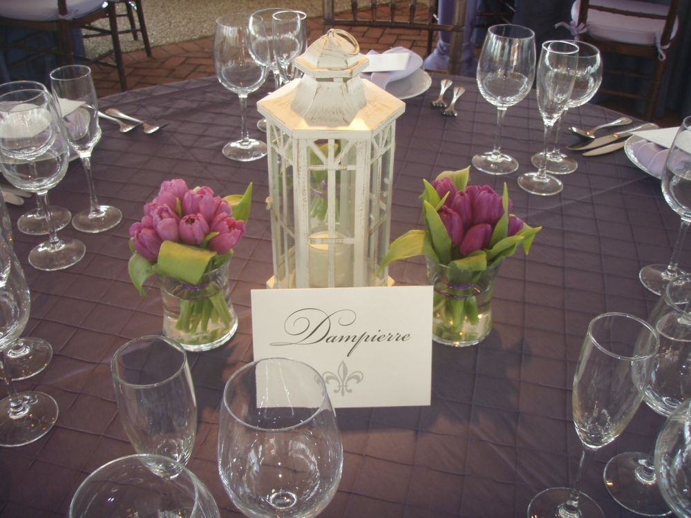 Centerpieces for wedding receptions do it yourself for Wedding decorations centerpieces
