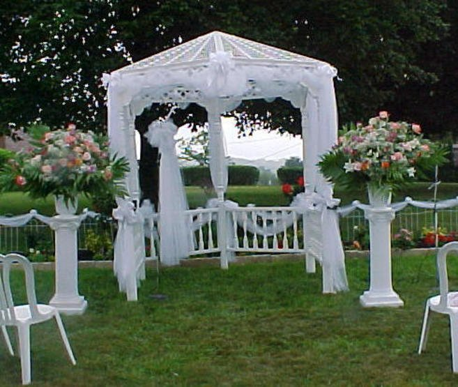 Cheap outdoor wedding decorations wedding and bridal for Outdoor wedding decorating ideas