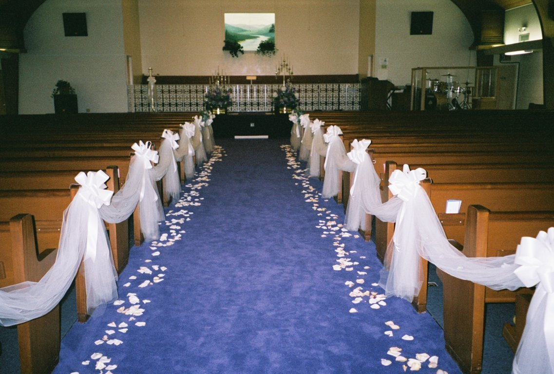 Cheap wedding decorations for church wedding and bridal for Discount wedding reception decorations