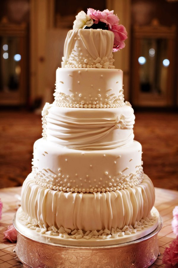 Red Velvet Wedding Cake Designs