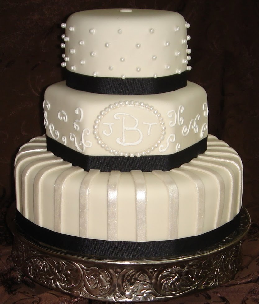 Cake Designs With Fondant : Fondant Wedding Cake Designs - Wedding and Bridal Inspiration