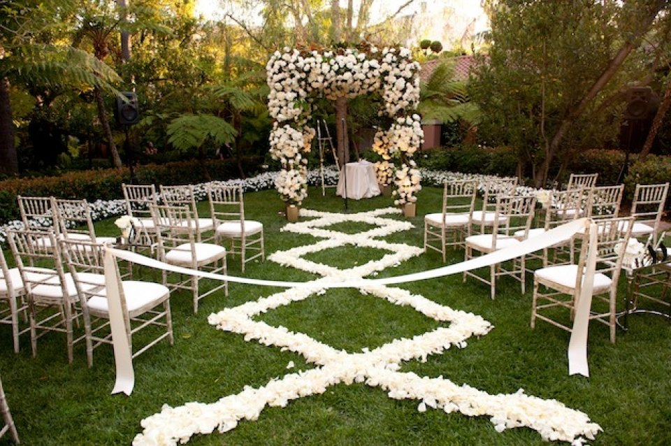 Outdoor wedding aisle decorations wedding and bridal for Aisle wedding decoration ideas
