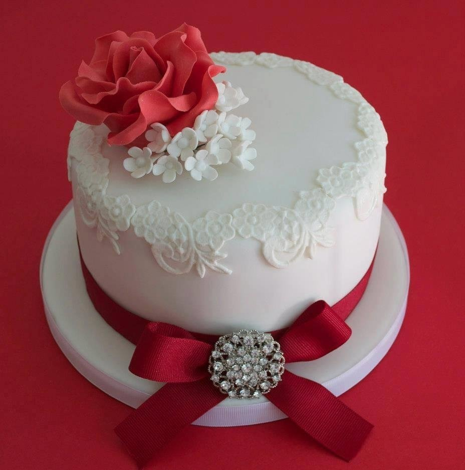 Cake Decorating Ideas For Ruby Wedding : Ruby Wedding Cake Designs - Wedding and Bridal Inspiration