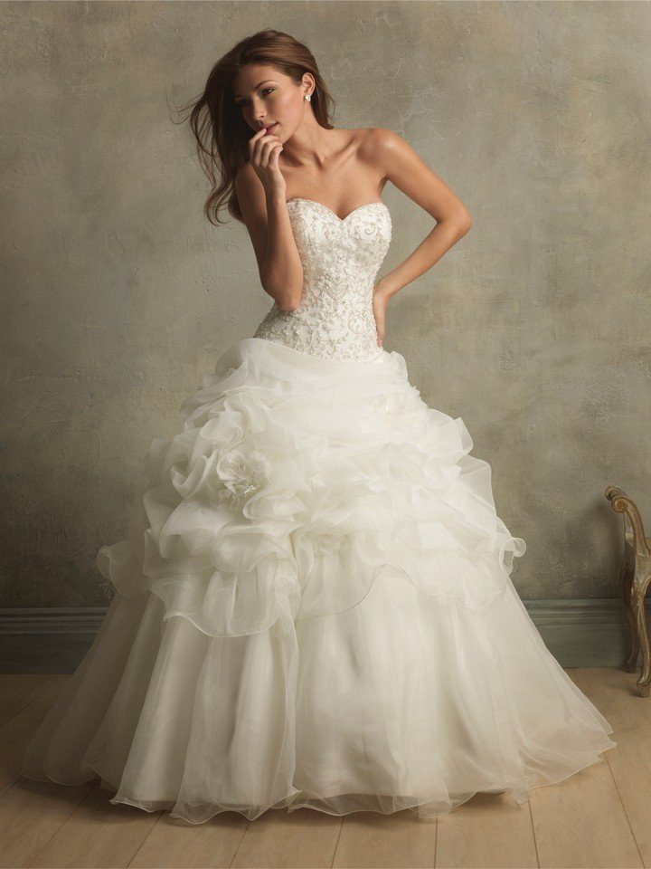 Designer ball gown wedding dresses wedding and bridal for How to choose a wedding dress