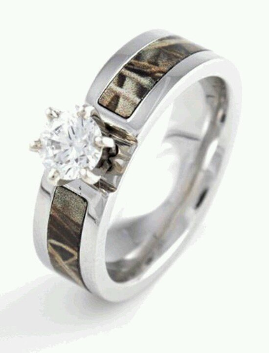 Realtree camo wedding rings wedding and bridal inspiration for Camoflauge wedding rings
