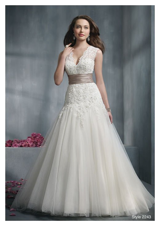 best wedding dress for big bust wedding and bridal With best wedding dresses for big busts
