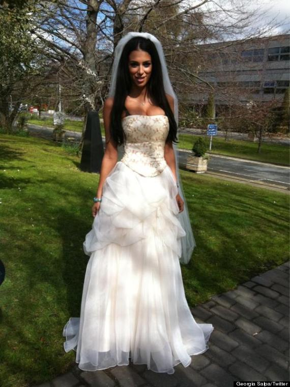 Big boobs wedding dress wedding and bridal inspiration for Wedding dresses for small breasts