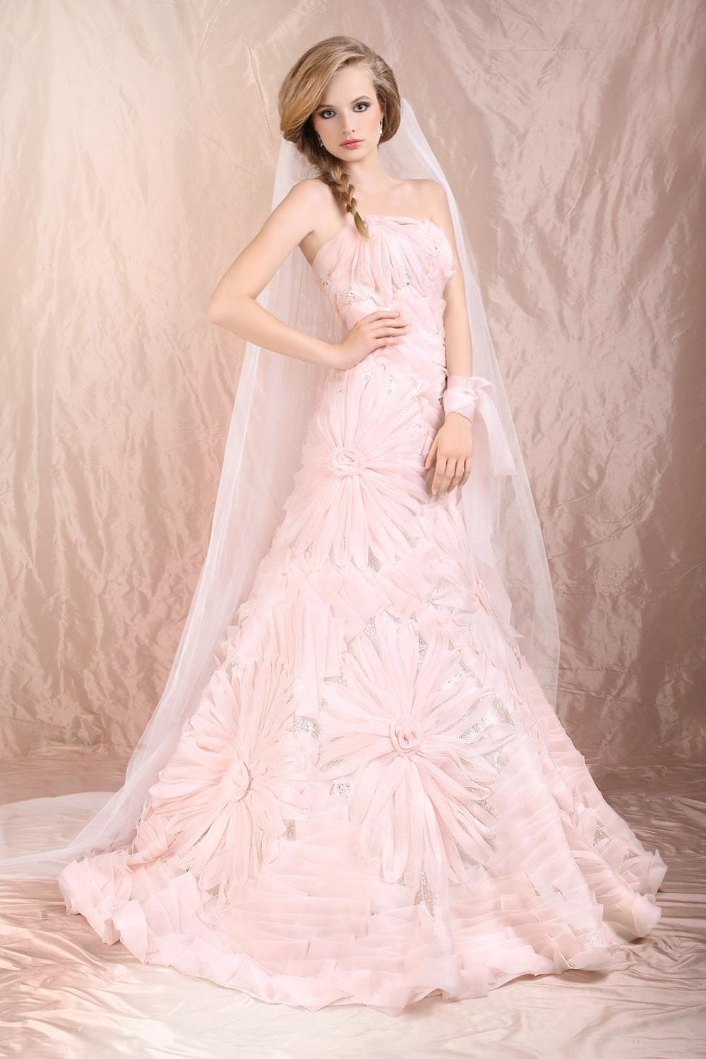 How to pick out a good blush wedding dress wedding and for How to choose a wedding dress