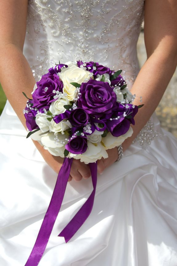 Purple and white wedding bouquets wedding and bridal for Wedding flowers ideas pictures
