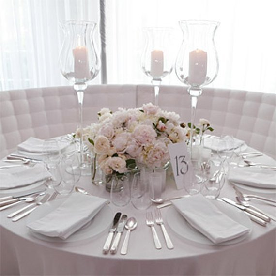 Simple wedding centerpieces for round tables and