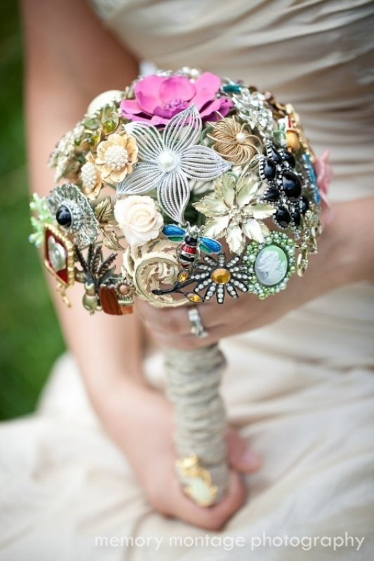 Unique Bridal Flower Bouquets : Unique wedding flowers and bridal inspiration