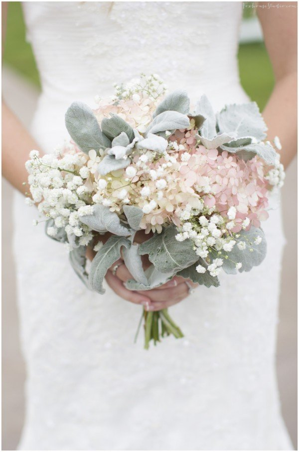 Wedding flowers on a budget ideas wedding and bridal for Bridal flower bouquets ideas
