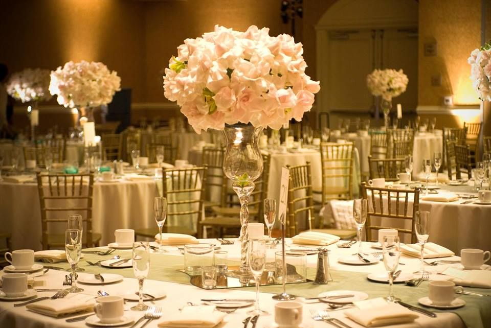 How to make easy wedding table centerpieces and