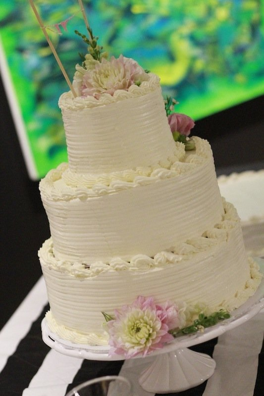 Cake Designs With Whipped Cream : Whipped Cream Icing For Wedding Cakes - Wedding and Bridal ...