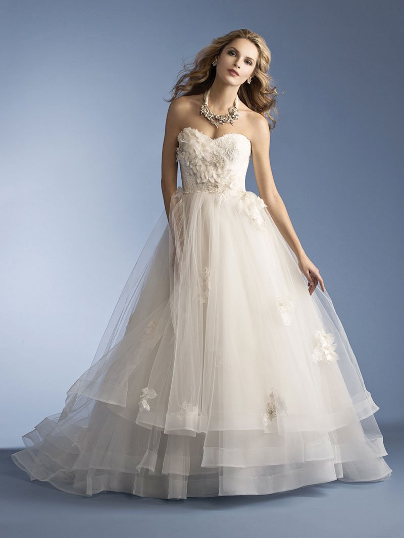 Discount designer wedding dresses wedding and bridal for Cheap couture wedding dresses