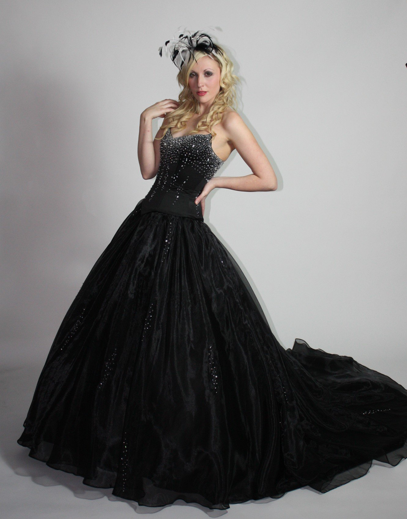 Gothic style wedding dresses wedding and bridal inspiration for Medieval style wedding dress