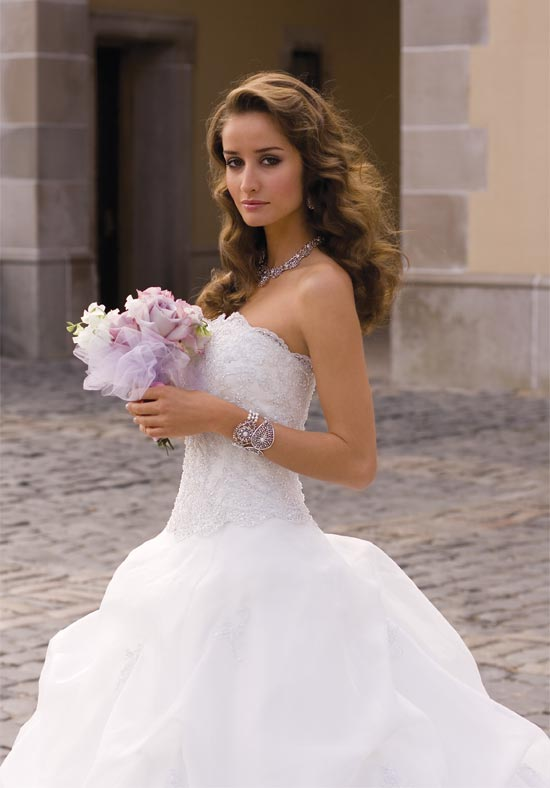 Group usa wedding gowns wedding and bridal inspiration for Cheap wedding dresses online usa