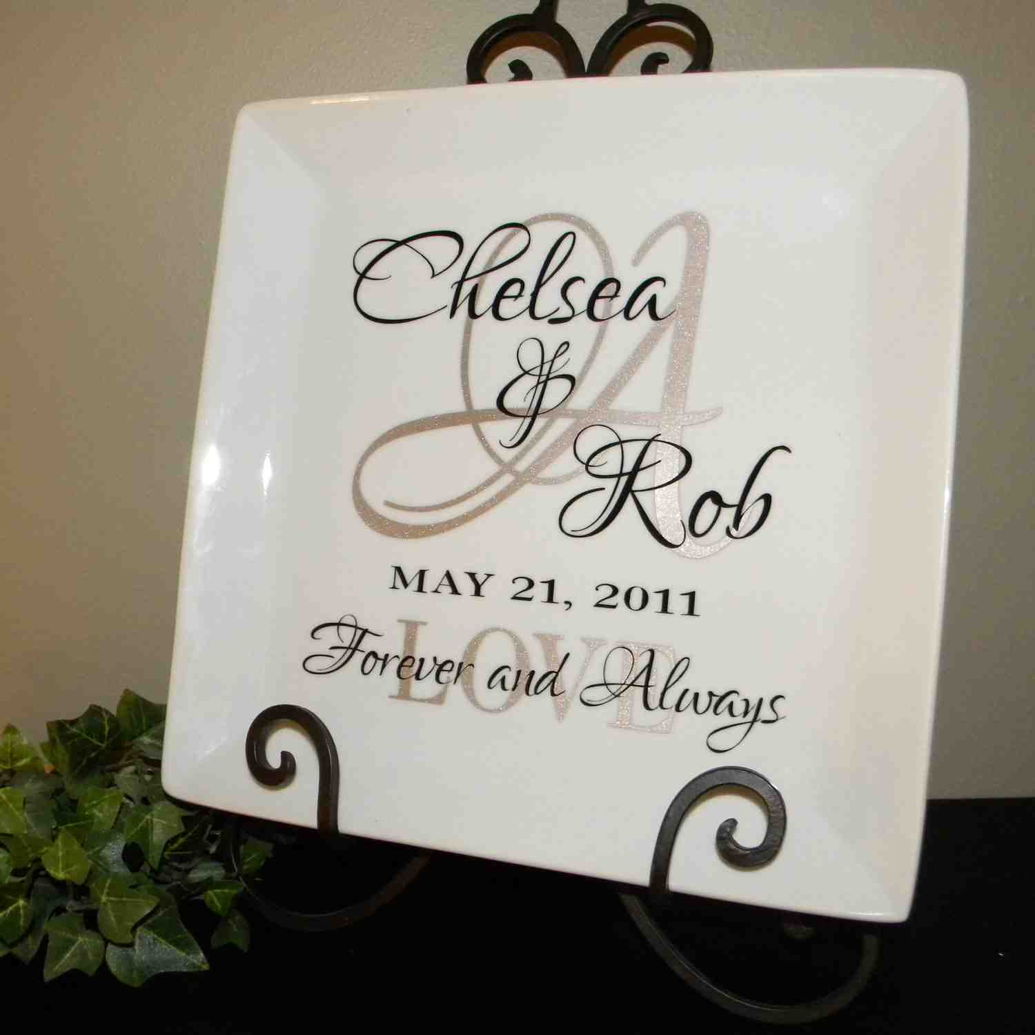 Personalized wedding gifts for the special one