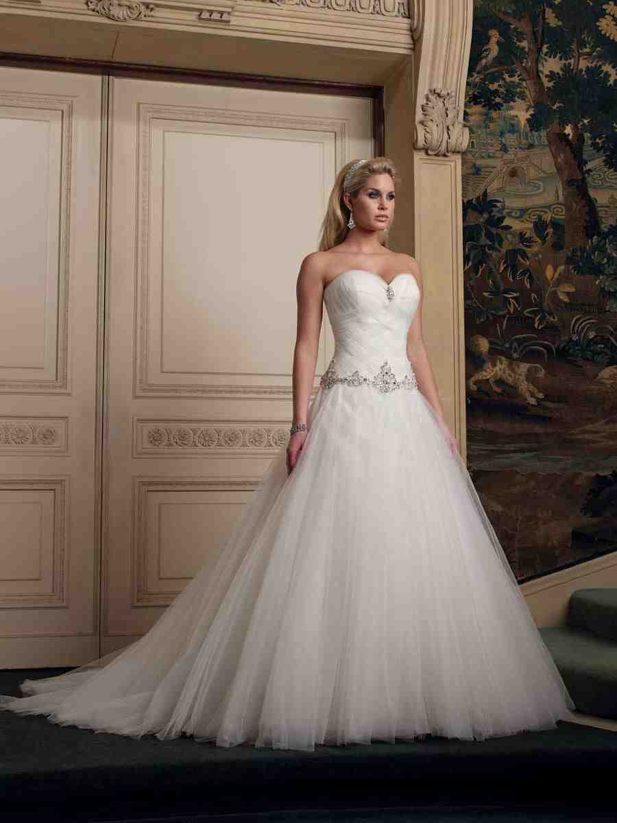 Princess ball gown wedding dresses wedding and bridal for Princess style wedding dresses sweetheart neckline