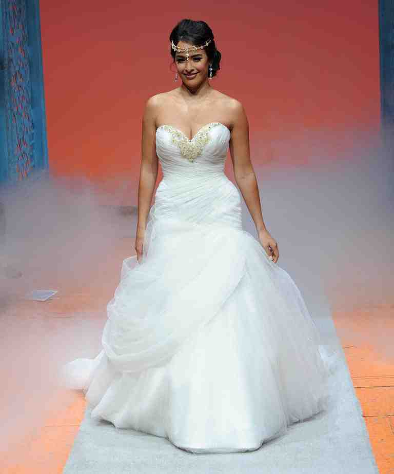 Princess jasmine wedding dress wedding and bridal for Princess jasmine wedding dress