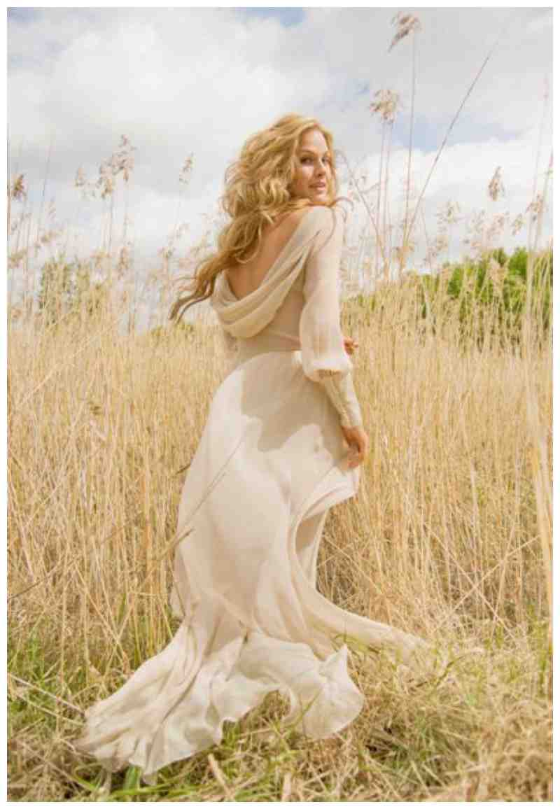 Outdoor Wedding Dresses for Any Season How to Pick the