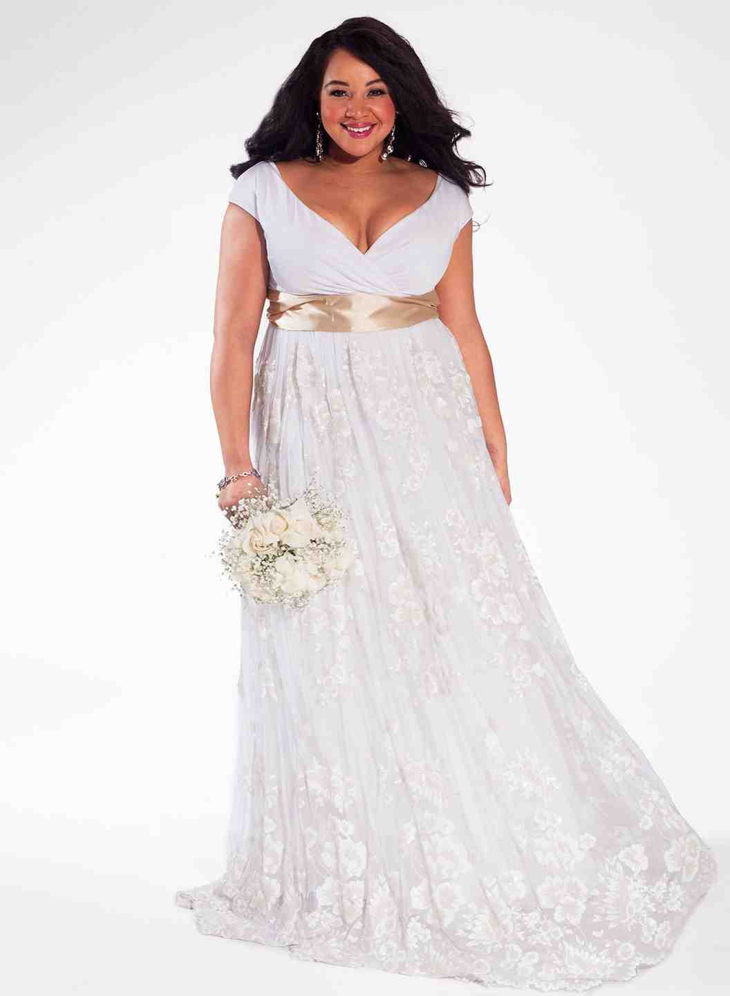 Plus size wedding dresses how to choose to flatter your for Wedding dress plus size