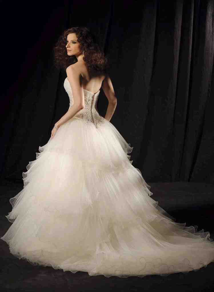 Wedding dresses petite brides wedding and bridal inspiration for Petite bride wedding dress