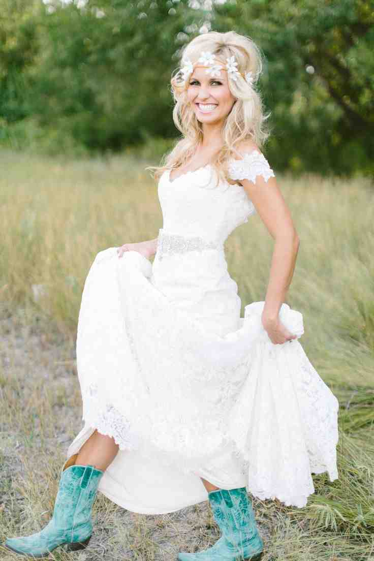 Country bridesmaid dresses what makes unique wedding for Wedding dresses for country wedding