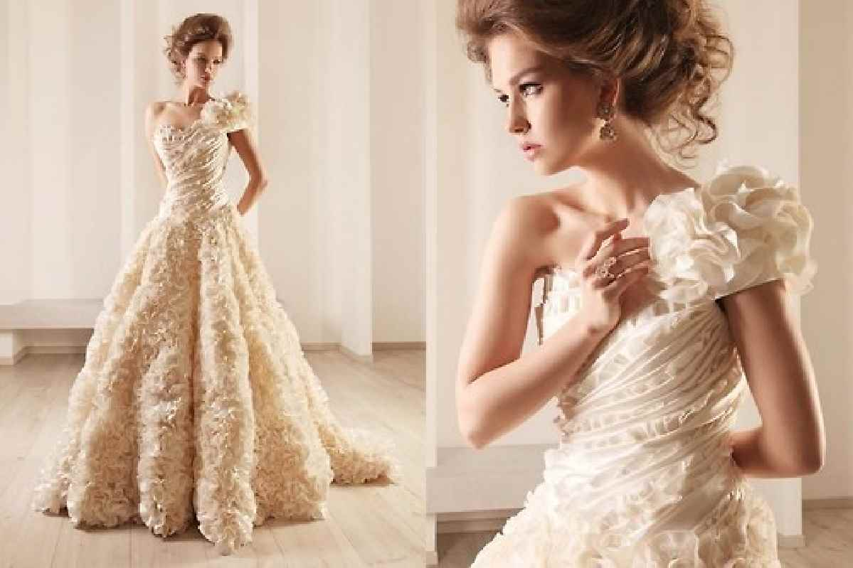 Non traditional wedding dresses with color wedding and for Non traditional wedding dress colors