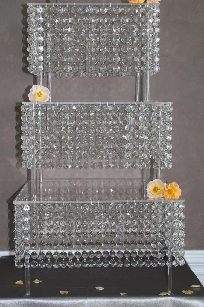 crystal cake stands for wedding cakes wedding cake stand wedding and bridal inspiration 3204