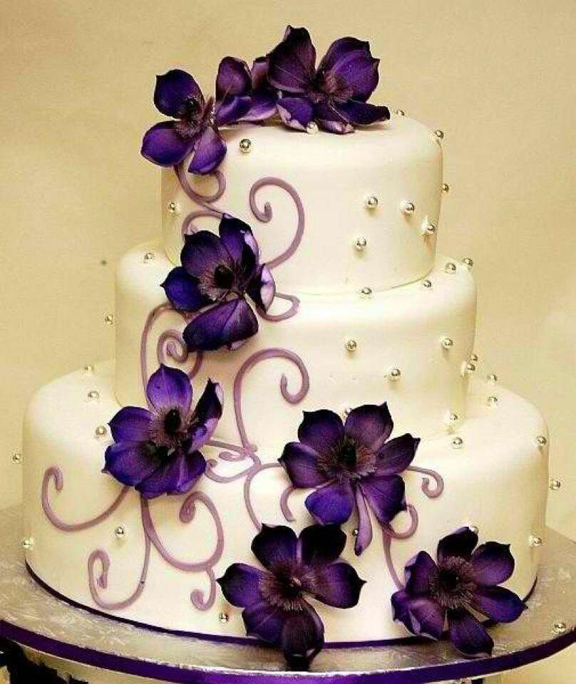 white wedding cake with purple flowers royal wedding theme try purple wedding cakes wedding 27416