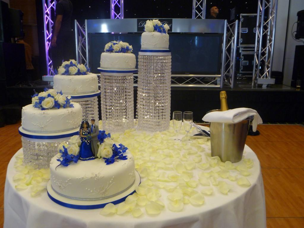 wedding cakes stands ideas wedding cake stand ideas wedding and bridal inspiration 25528