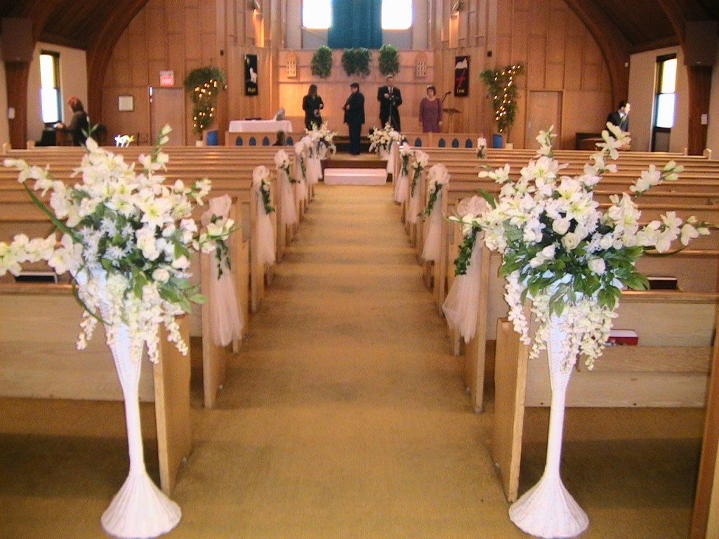wedding ideas church getting it right with church wedding decorations wedding 27836