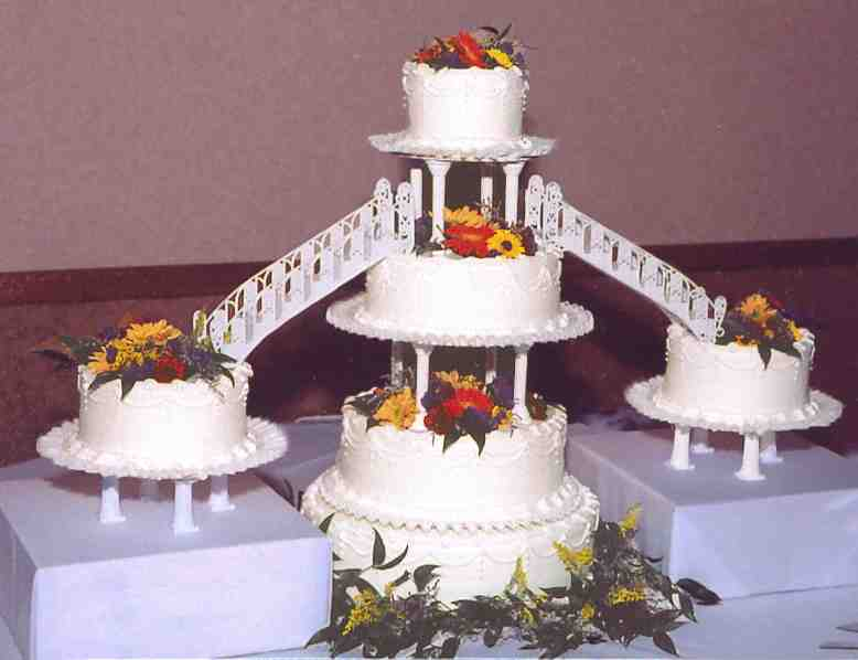 wedding cake bridge bridge wedding cake wedding and bridal inspiration 22091