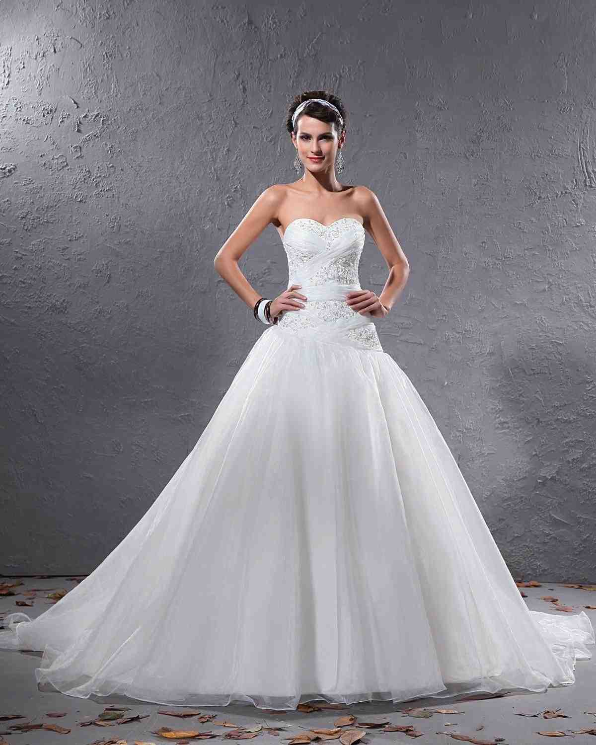 White Wedding Dresses: The Tradition And Elegance